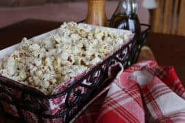 popcorn with garlic, thyme and black pepper