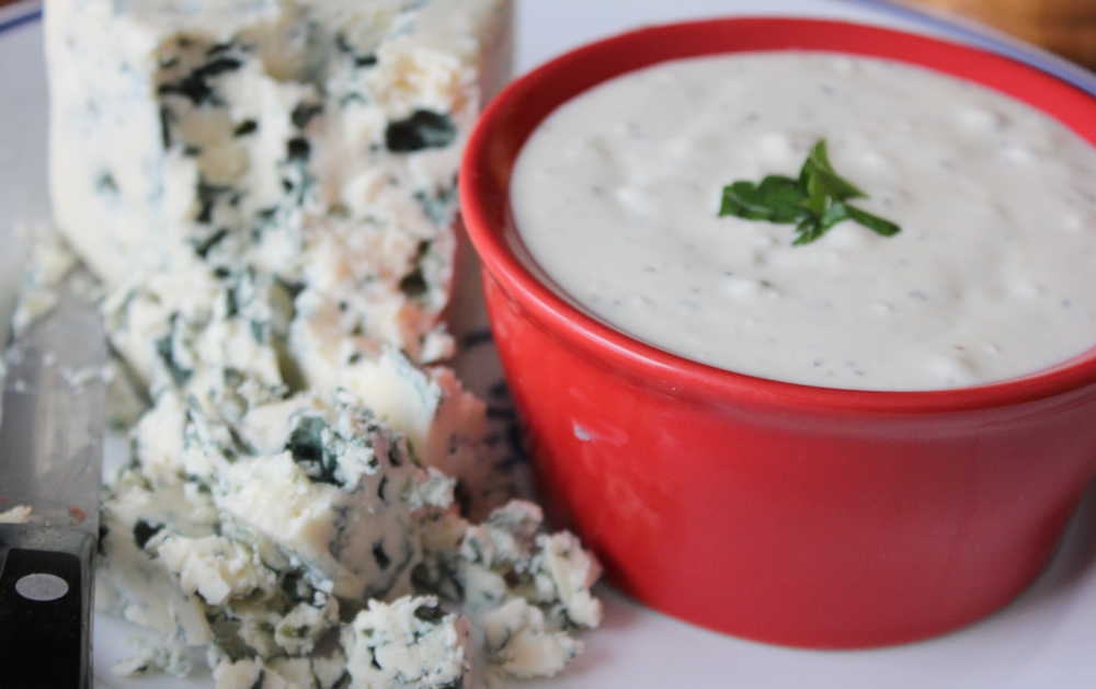 How to Make Blue Cheese Dressing