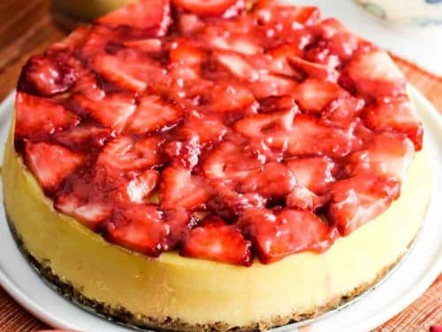 New York Cheesecake With Strawberry Glaze