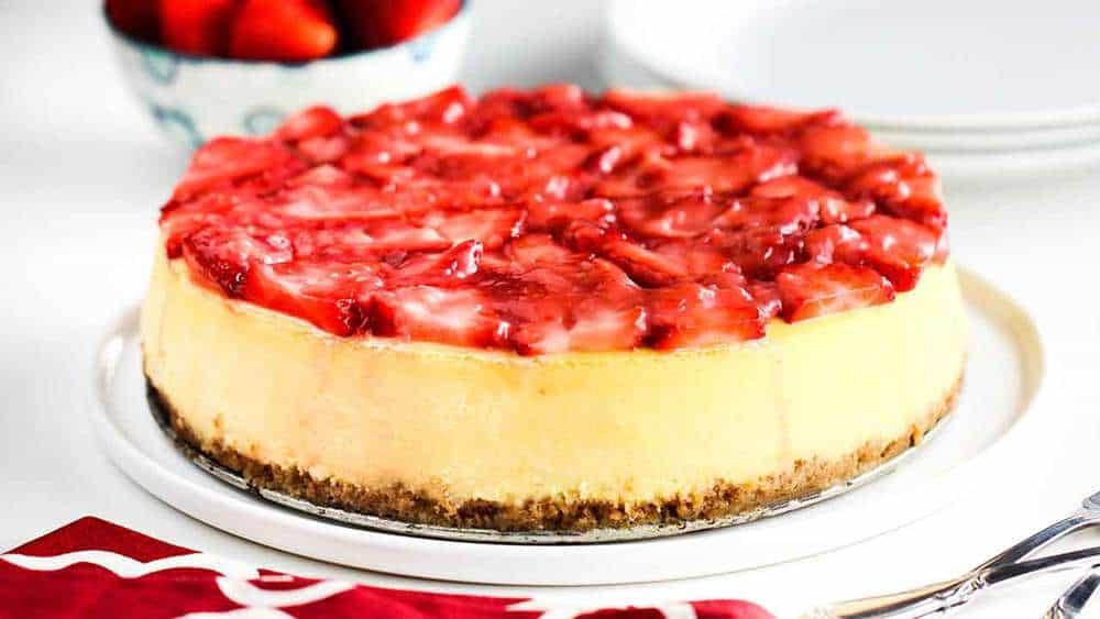 New York Cheese Cake with Strawberry Glaze