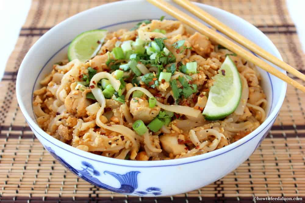 Classic Pad Thai with Chicken