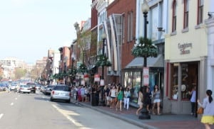 Busy shoppers in Georgetown