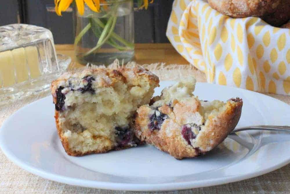 White Chocolate Raspberry & White Chocolate Blueberry Muffins - How To ...