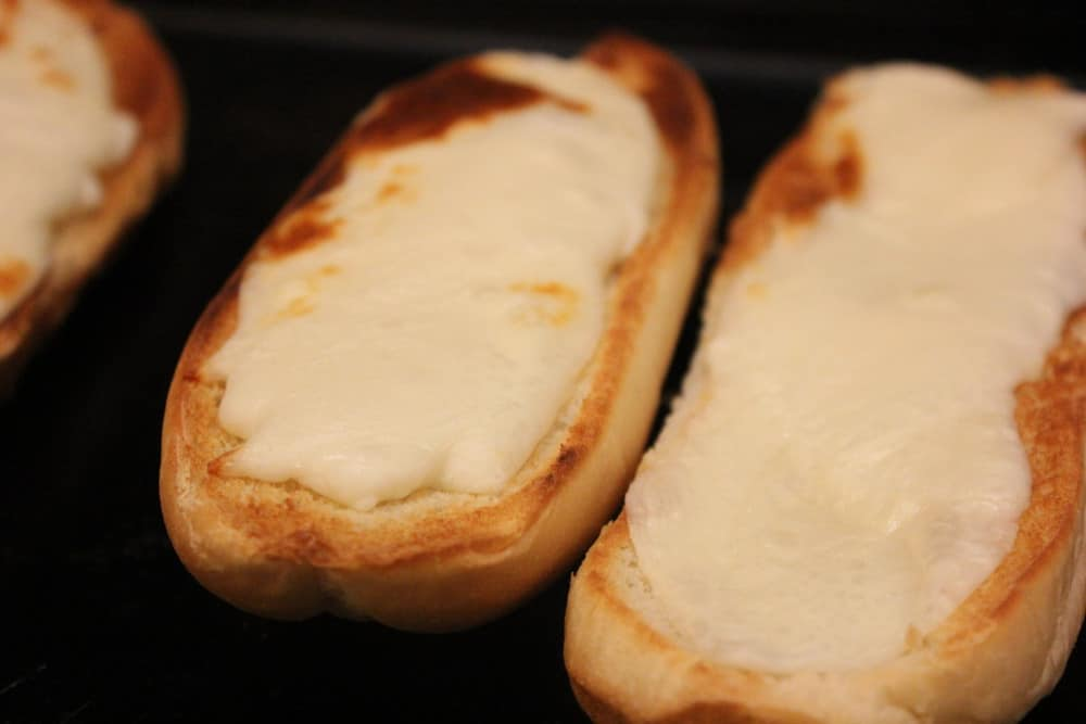 Get the cheese and bread nicely browned