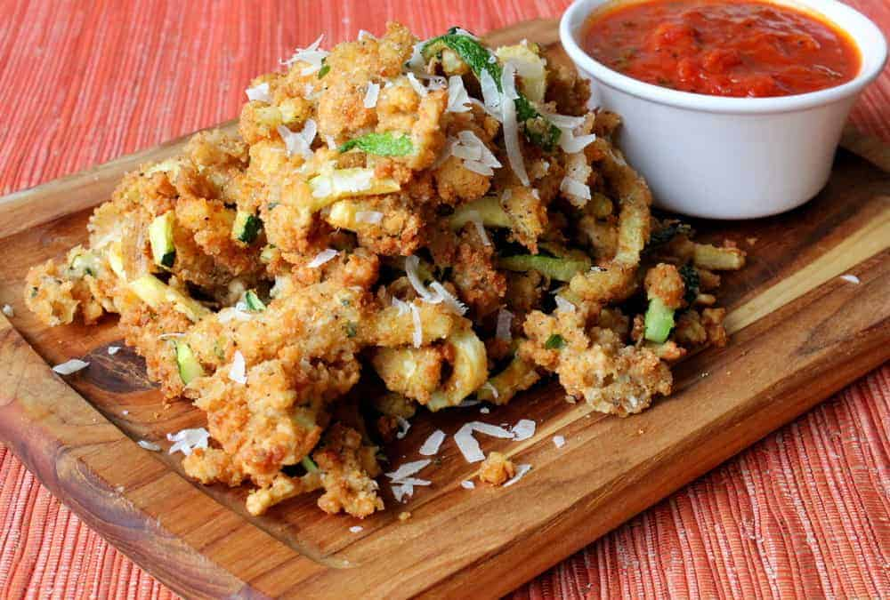 Fried zucchini with fresh marinara