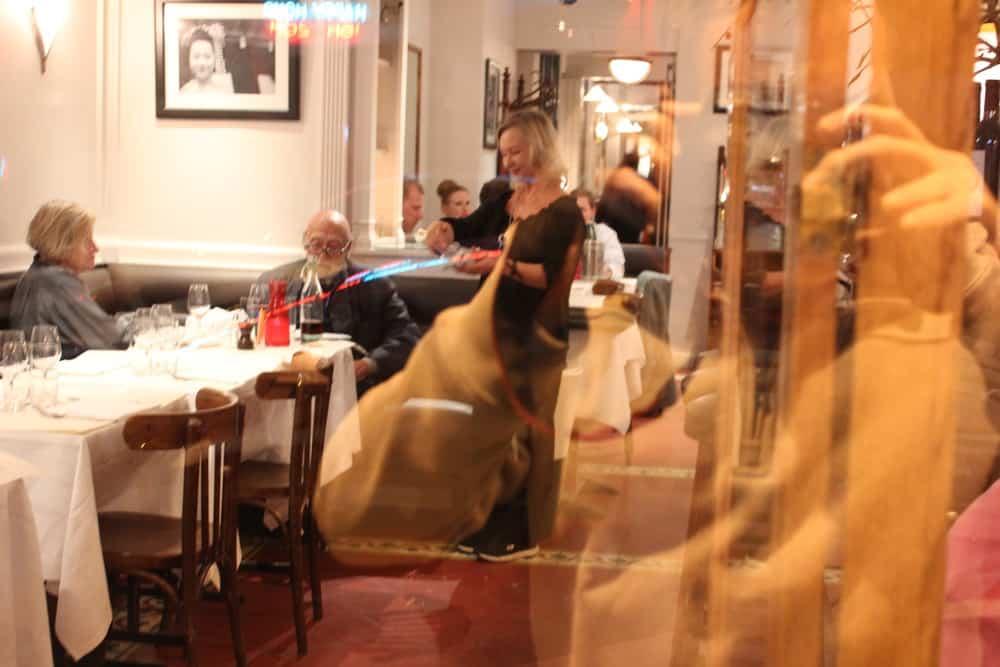 Le Parc Aux Cerfs Restaurant Paris