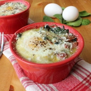Beautiful baked eggs with spinach and prosciutto