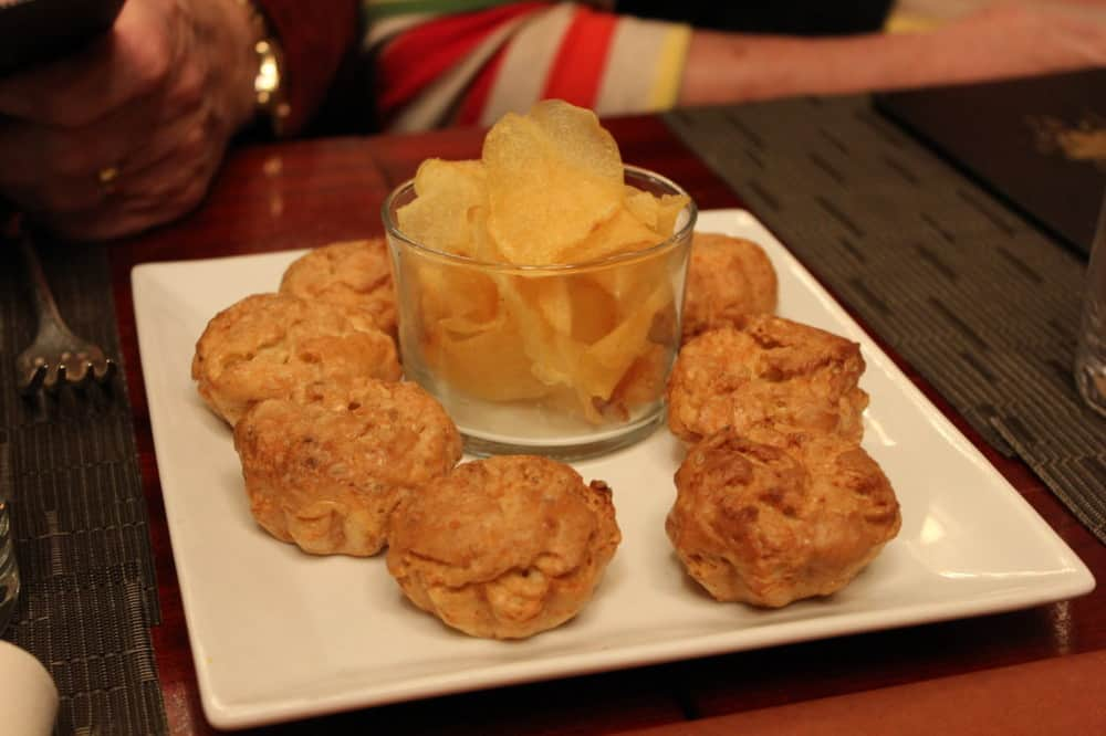 A delicious light potato and chip pre-dinner snack to go with our apertif
