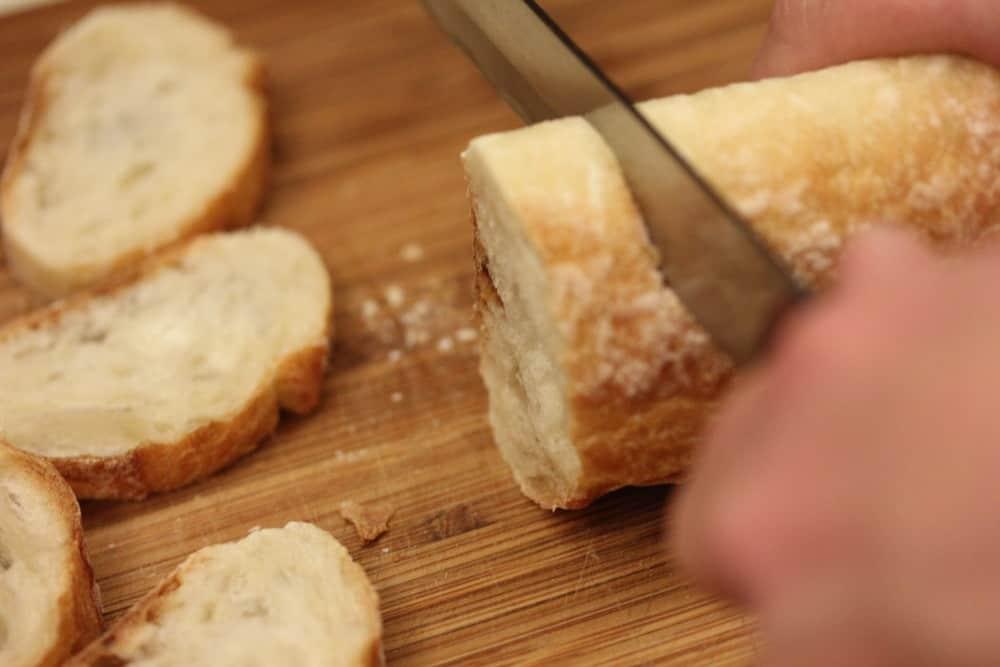 Slice a nice baguette