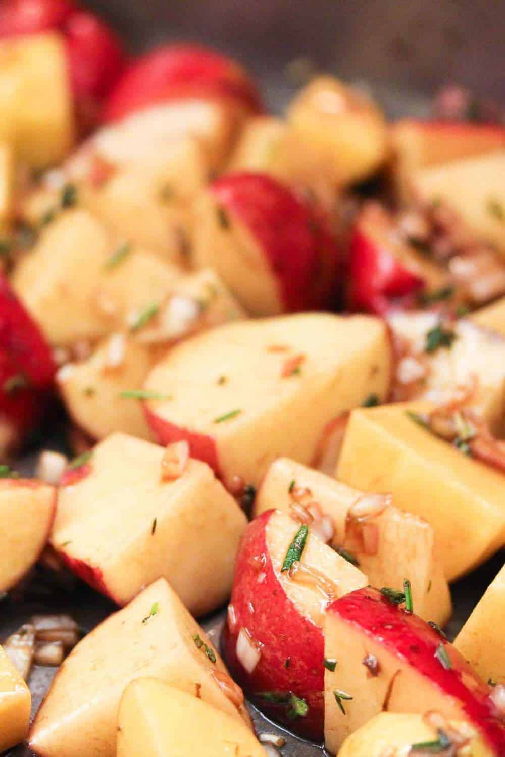 roasted potatoes with balsamic and herbs recipe
