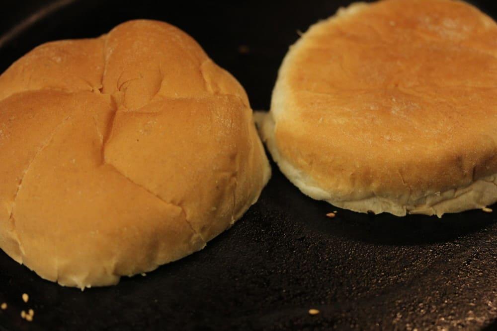 Toast a nice sturdy bun, such as Kaiser roll.