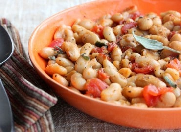 white beans with garlic, tomatoes and sage recipe