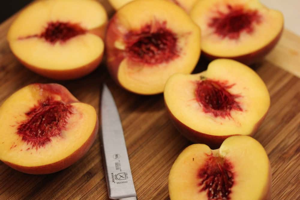 Cut and pit the beautiful peaches