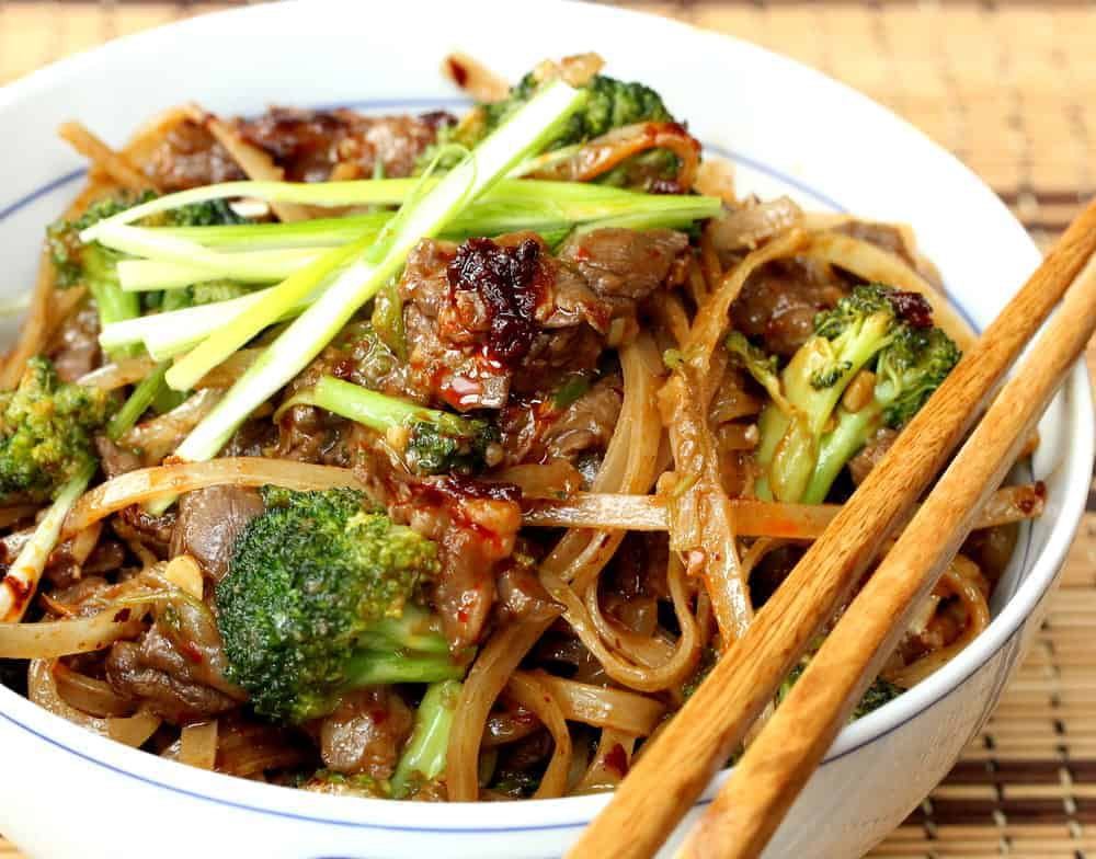 Beef & Broccoli Chow Fun