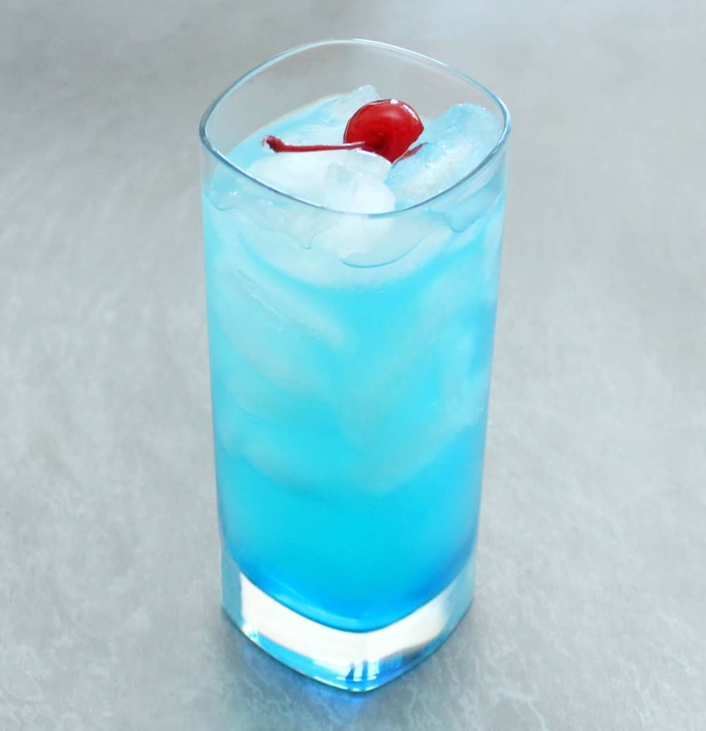 How to make a blue lagoon cocktail how to feed a loon for Blue lagoon cocktail