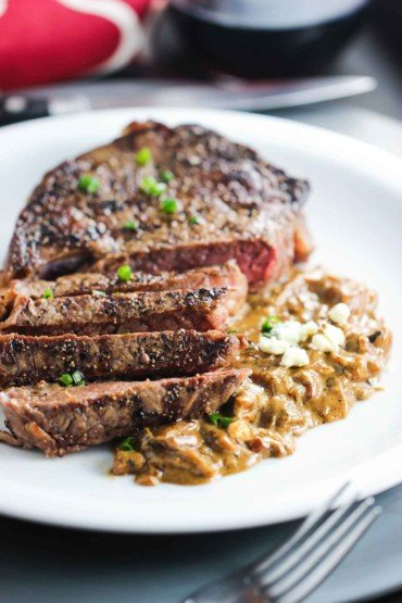 Ribeye with Gorgonzola and Caramelized Onion Sauce recipe