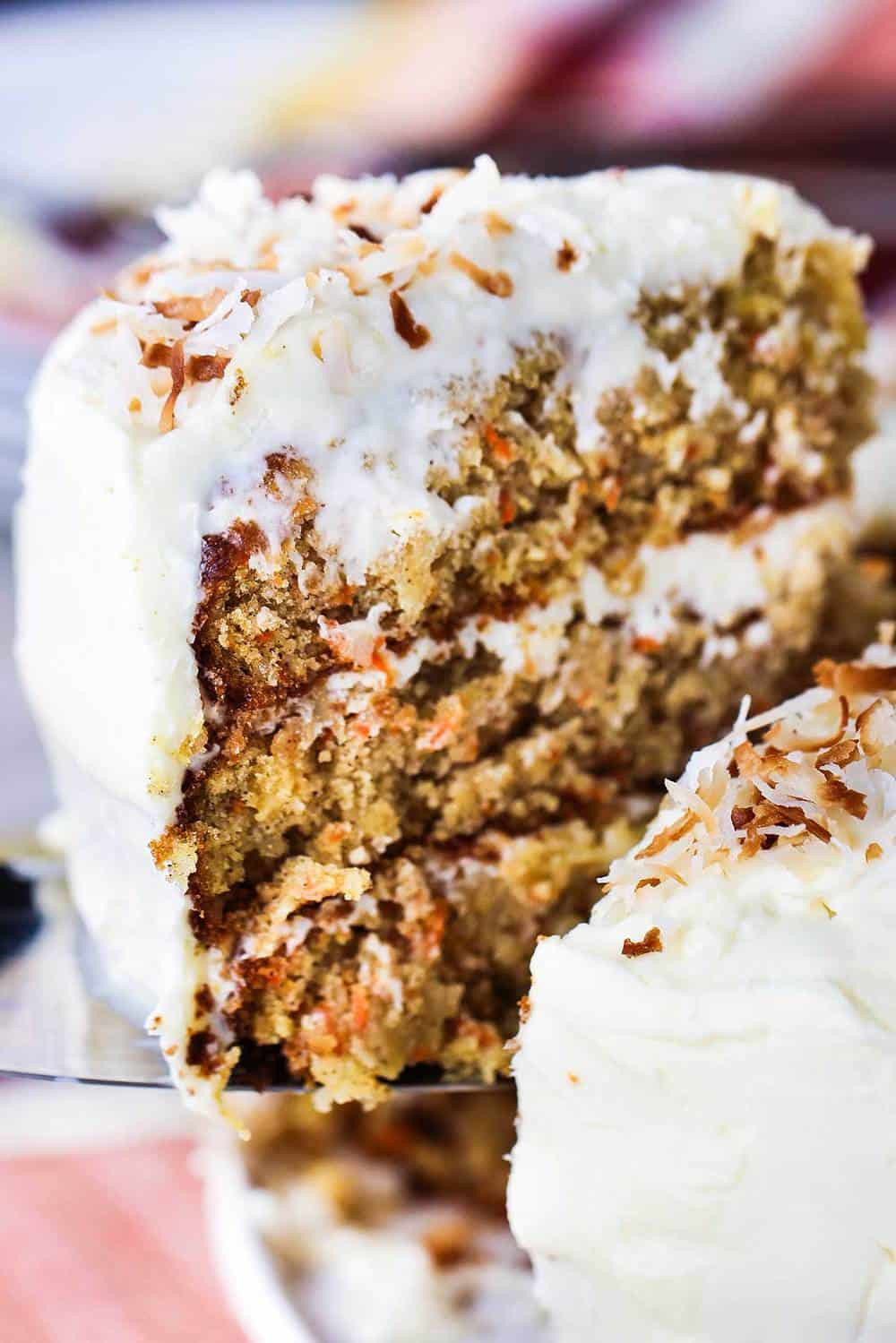 What Kind Of Nuts Go In A Carrot Cake