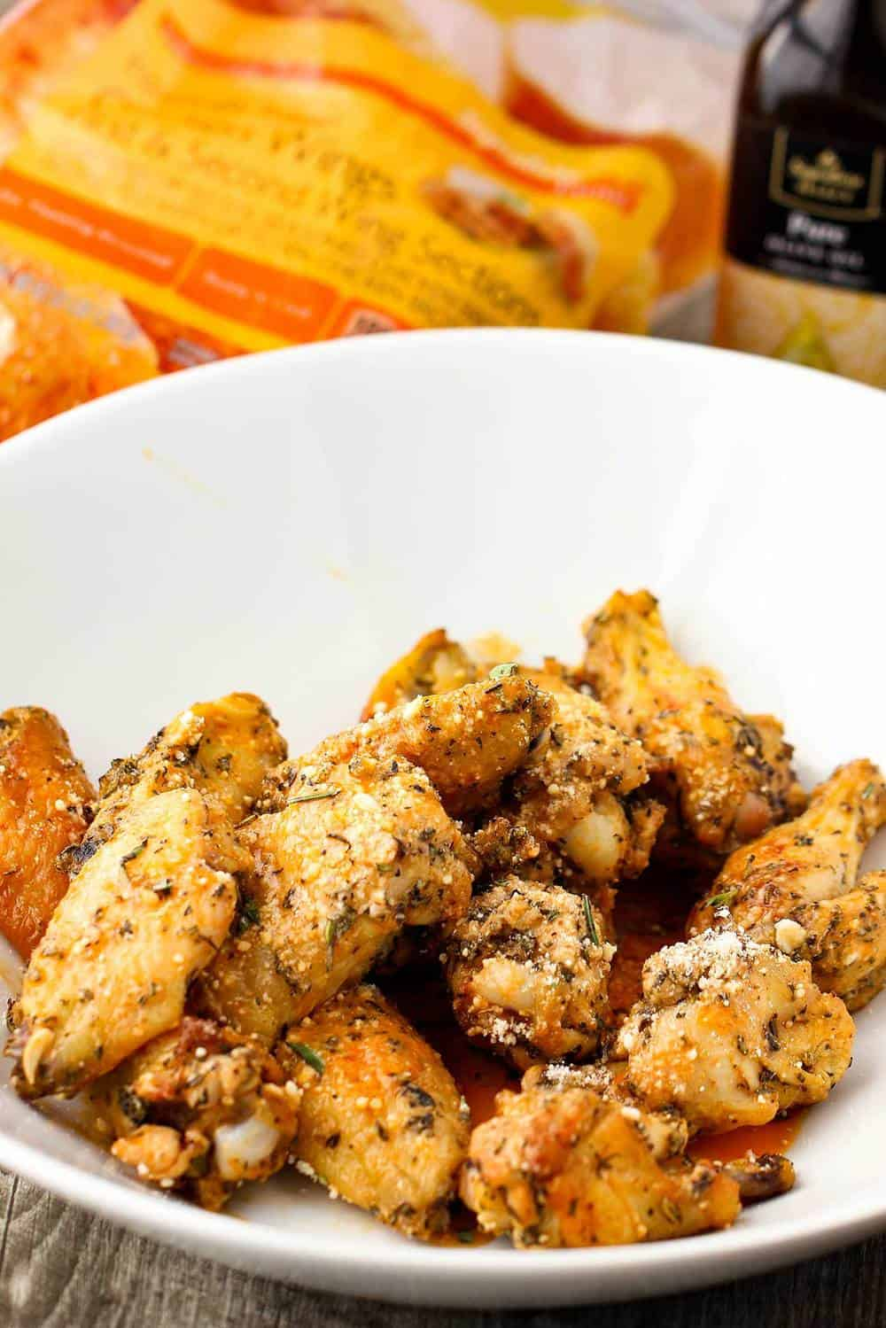 Parmesan and Garlic chicken wings recipe